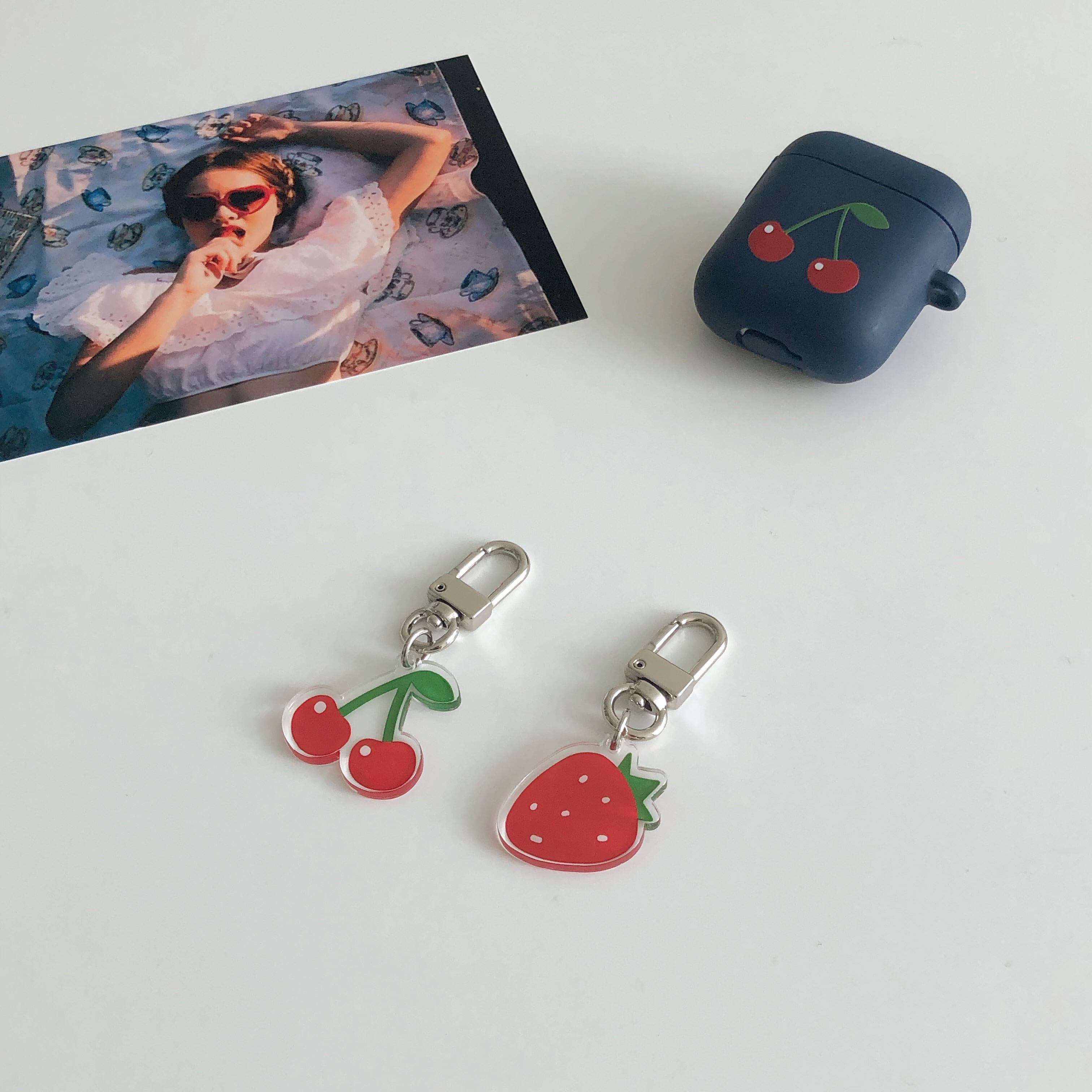Cherry x strawberry key ring (아크릴)